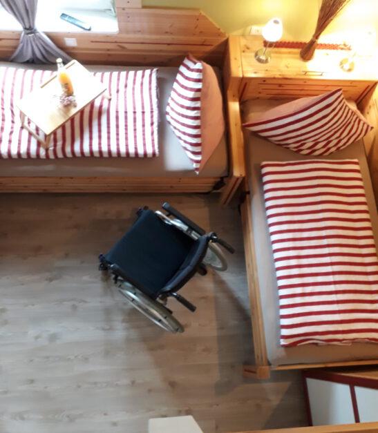 Betten längsseitig zugänglich