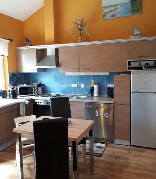 Perfekter Küchenbereich mit Kaffeepad-Automat